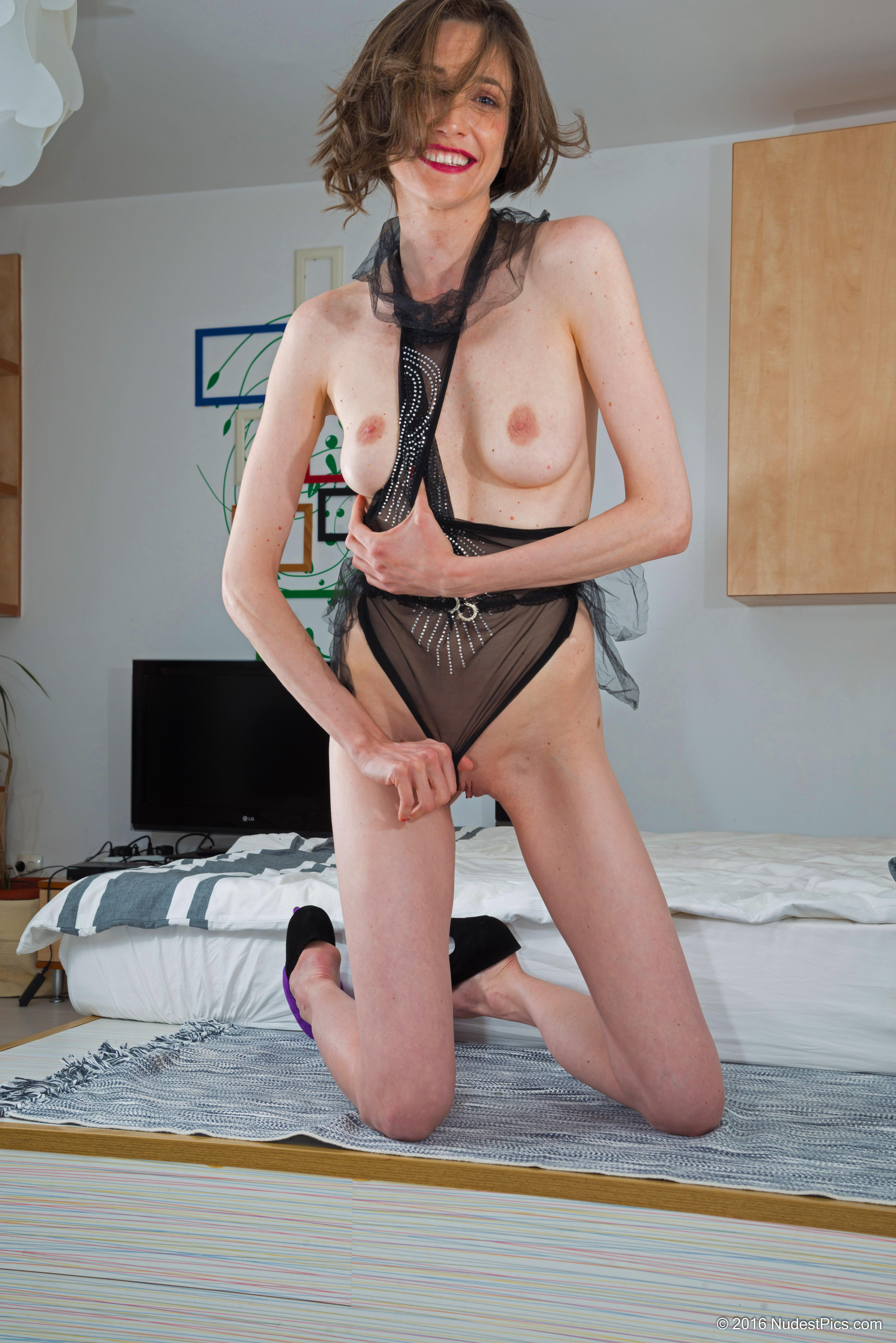 Skinny Ex Model Woman Flashing Pussy & Breasts HD