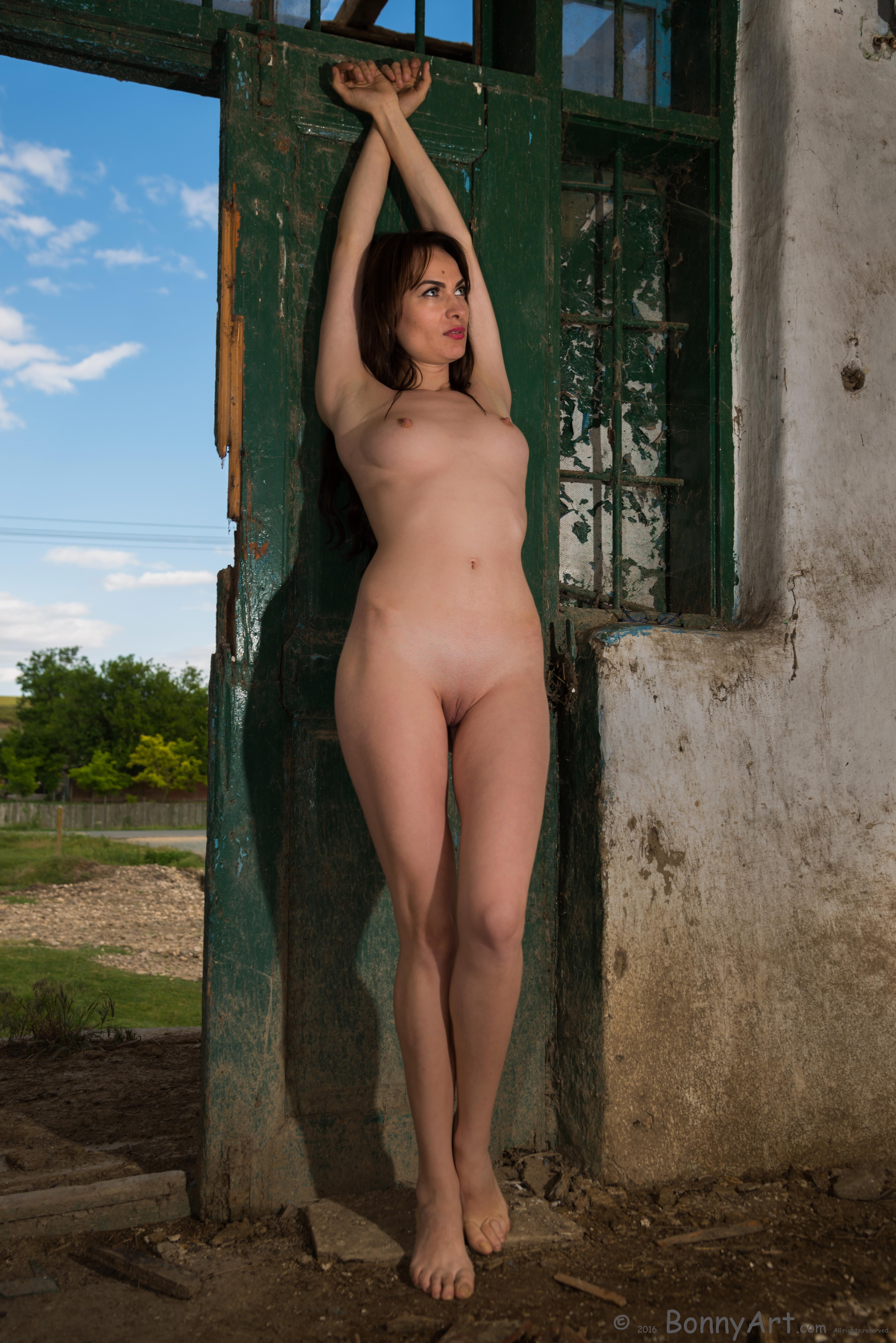 naked girls weed pics free