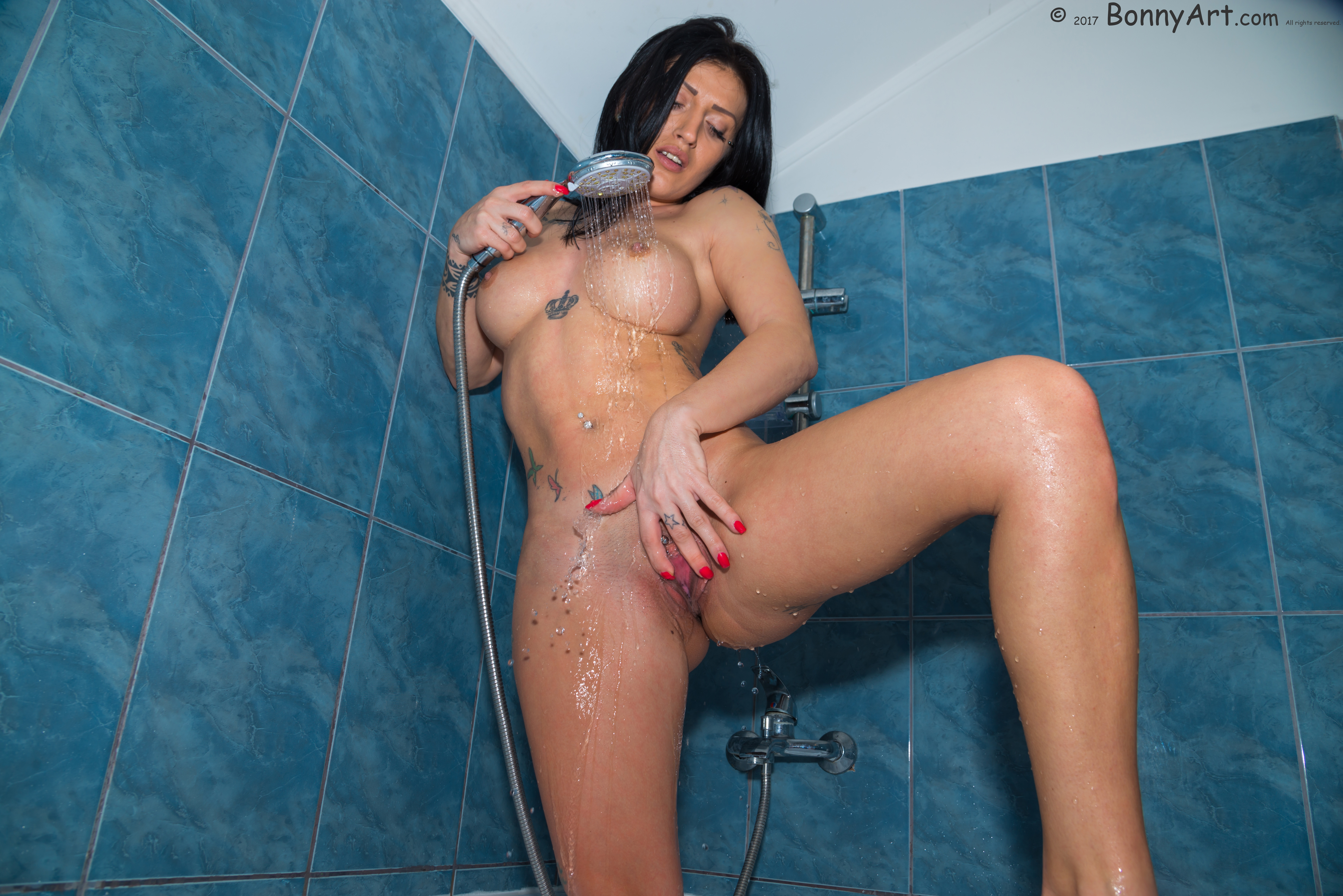Strong Girl Showering Spreading Pussy HD