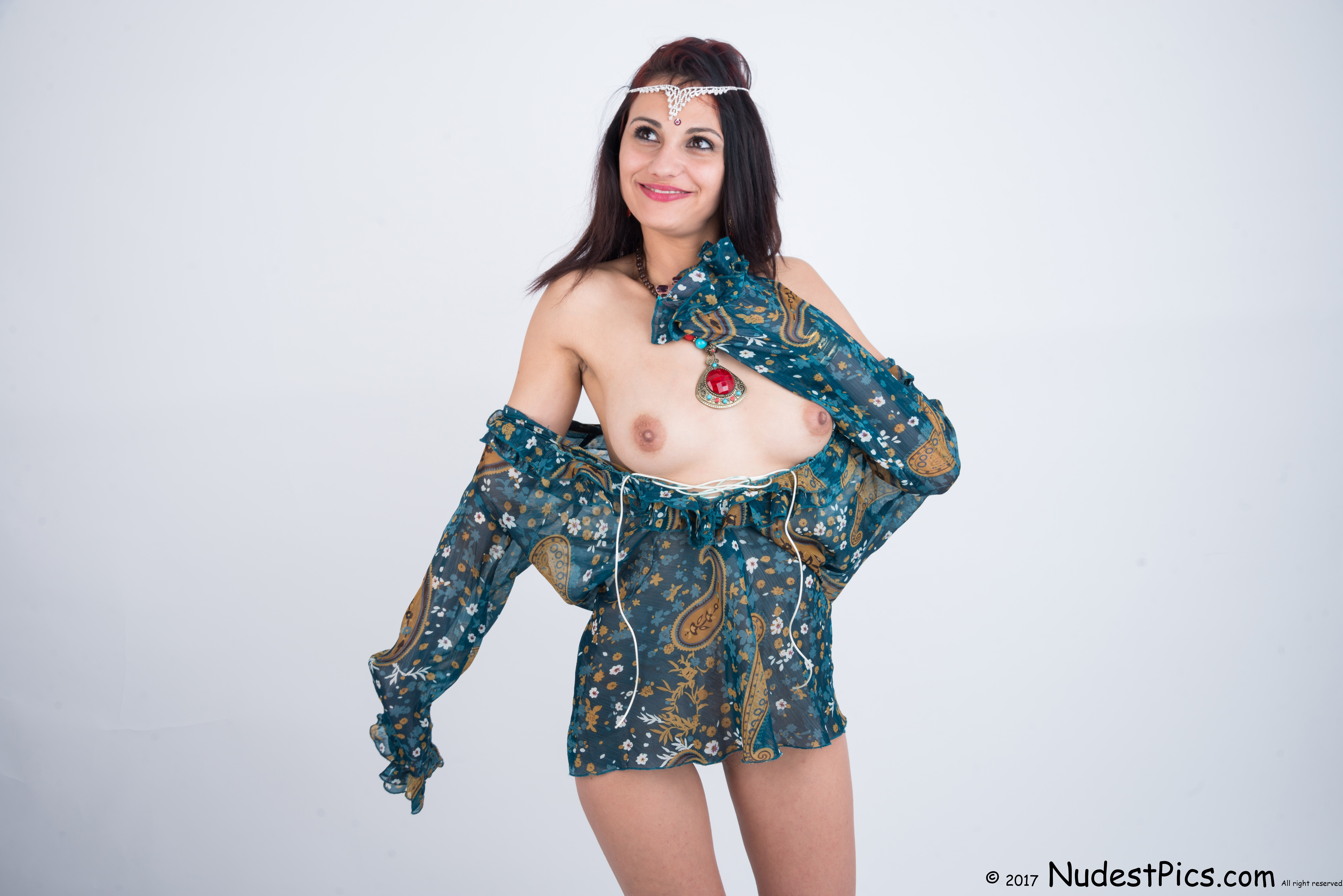 Indian Style Girl Tits Out HD