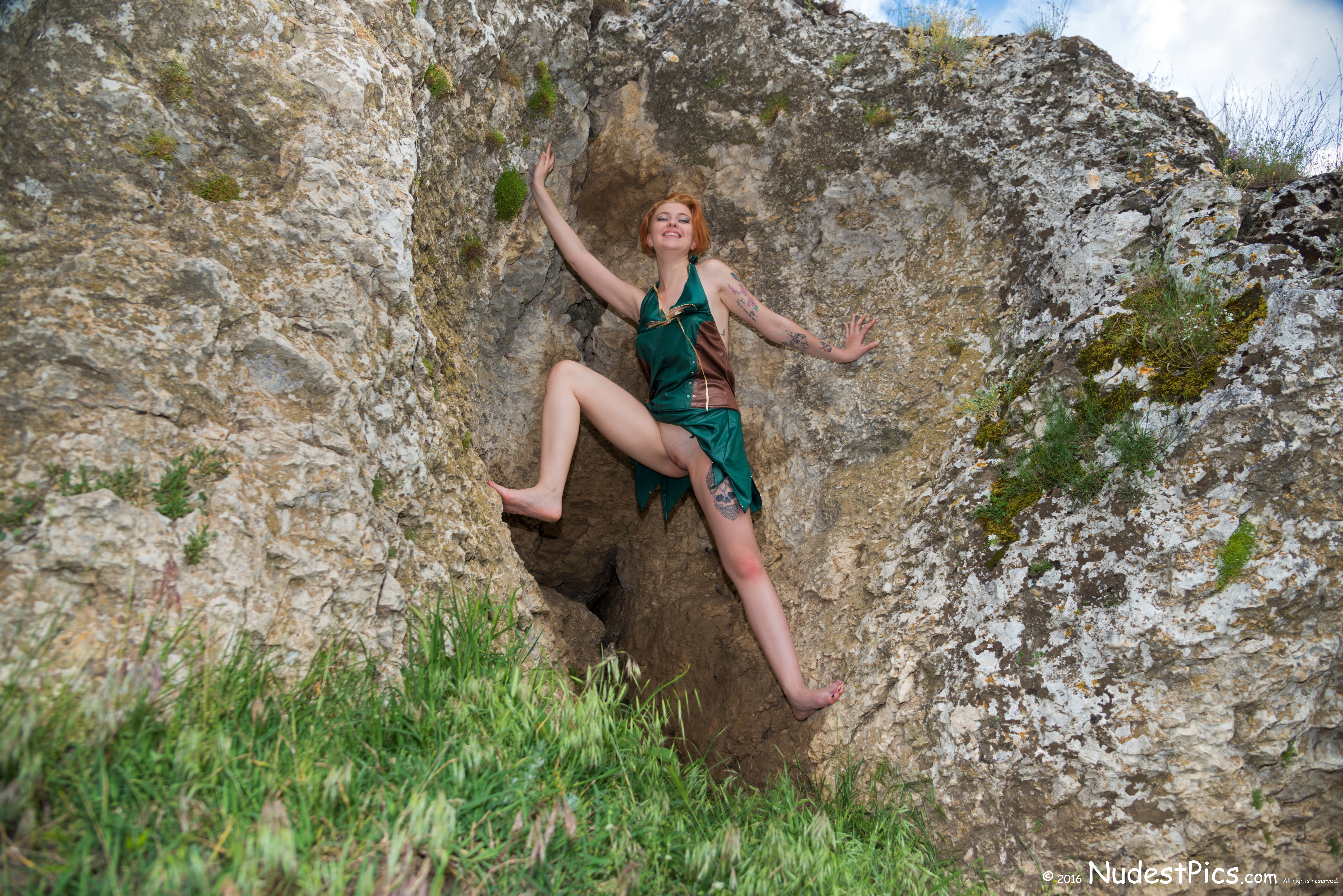 Cave Girl Flashing Pussy while Climbing HD