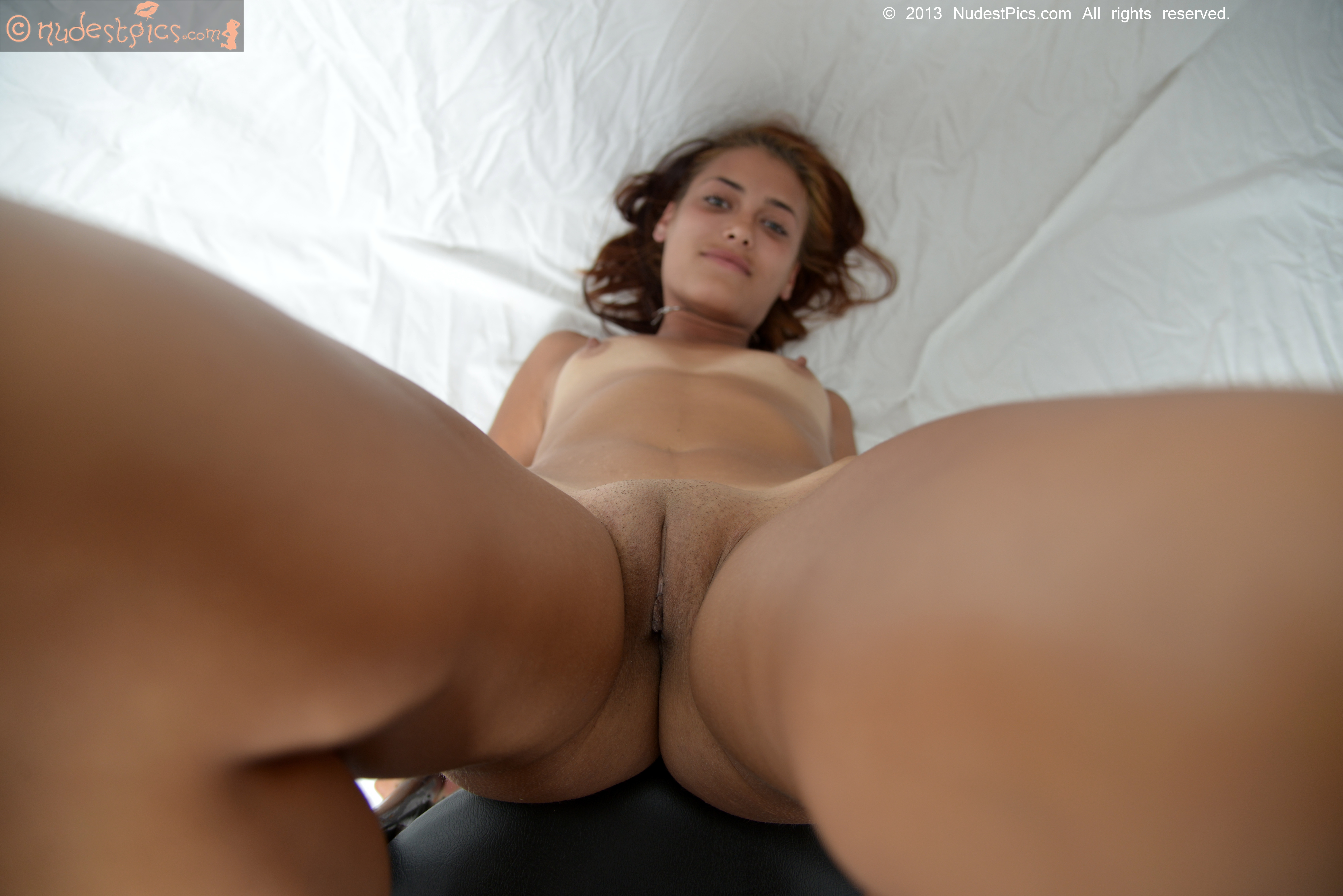 flat chested slut elaine meadors spreads her ass with toys before