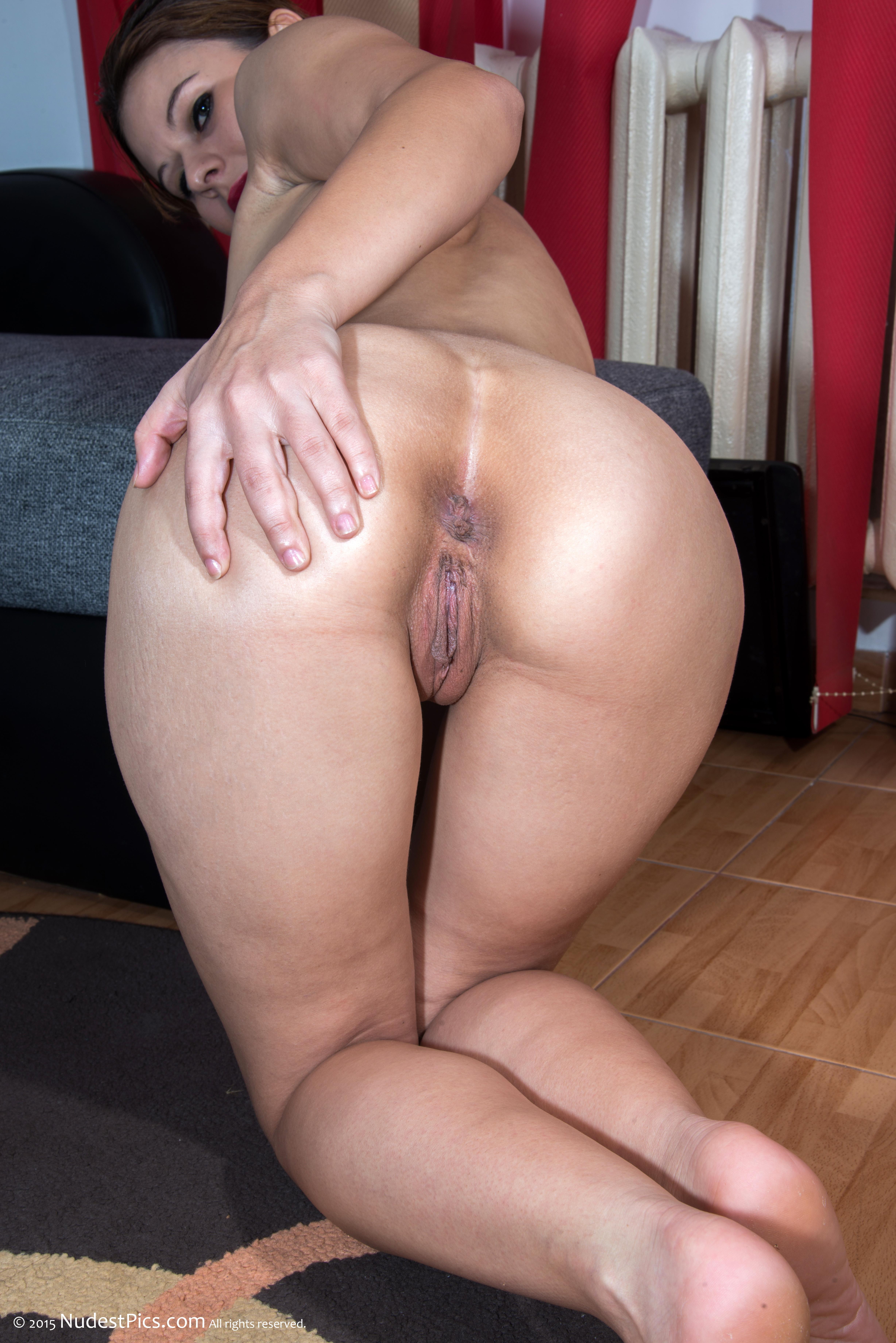 photos of naked italian girls