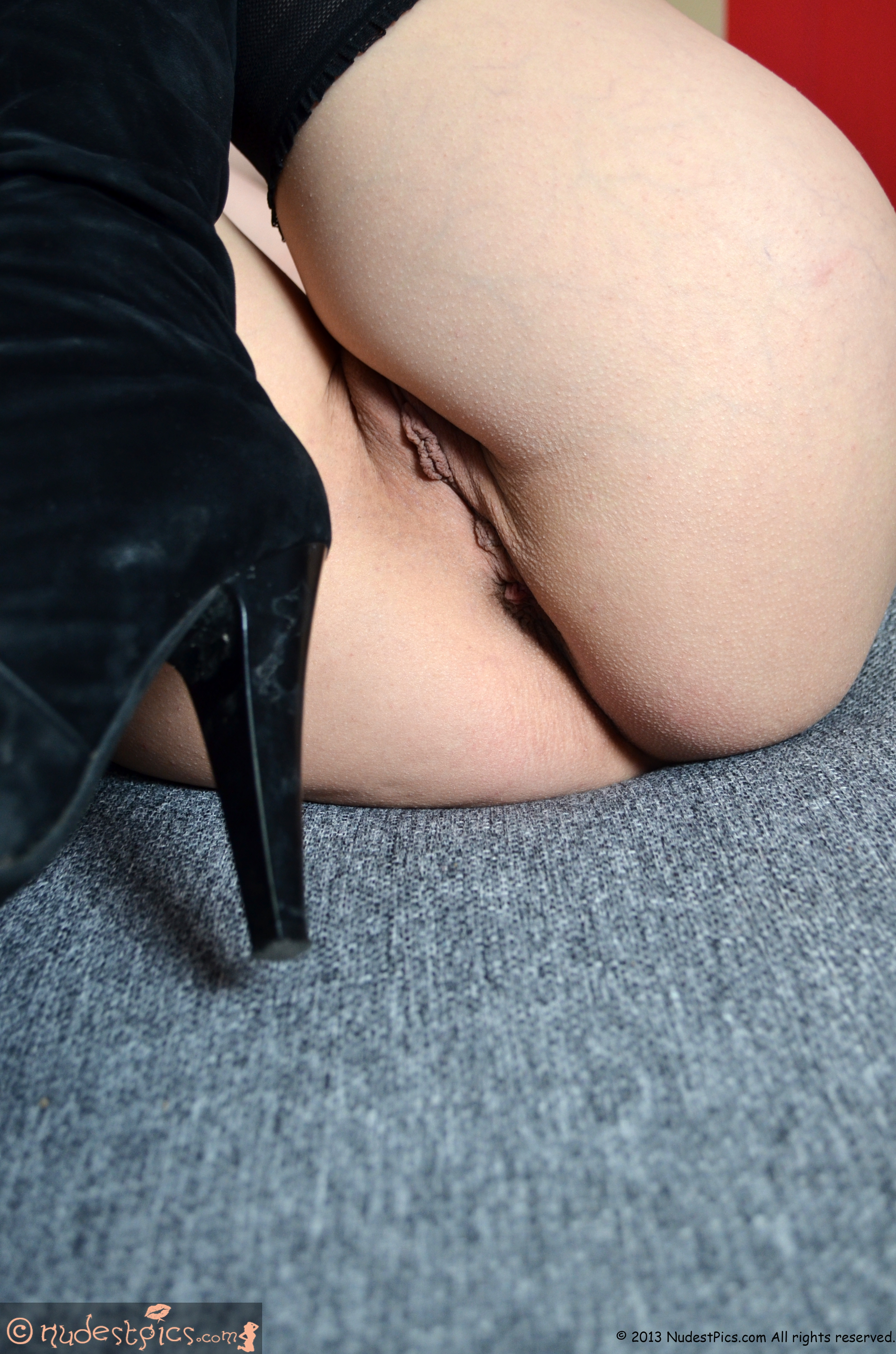 Closed Legs Up Pussy High Boots