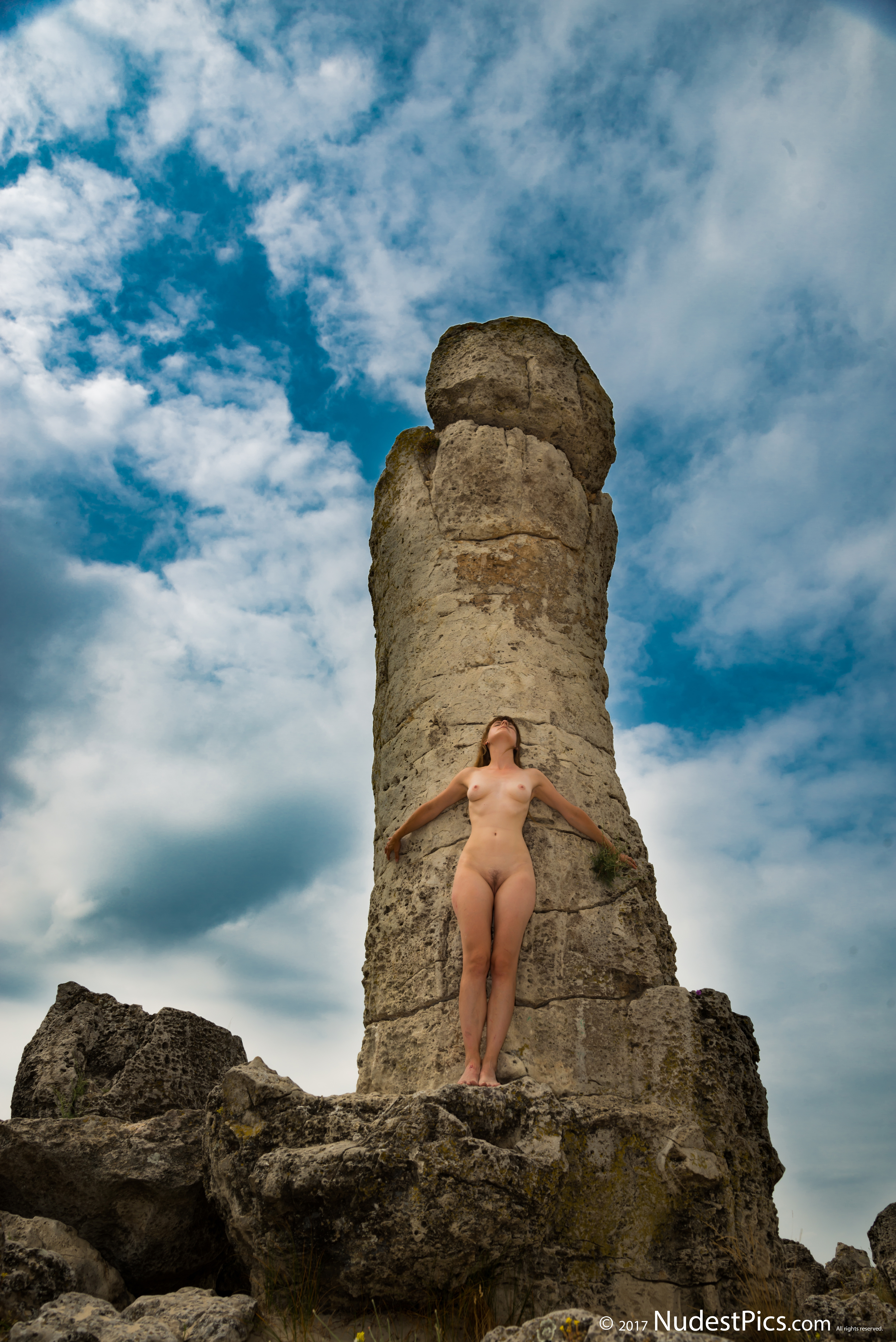 Nude Girl at the Stone Pole HD