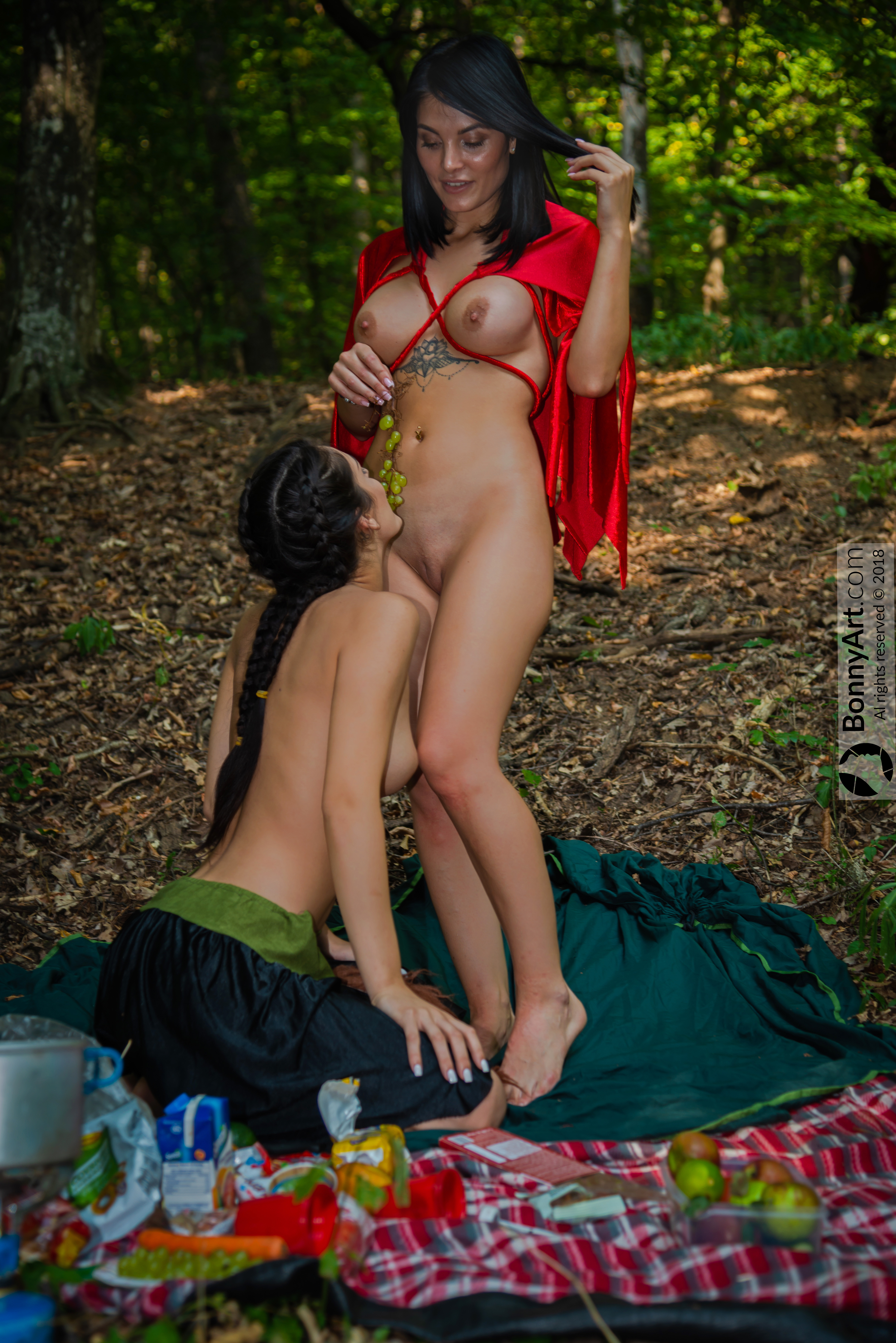 Forest Girls Naked Picnic Eating HD