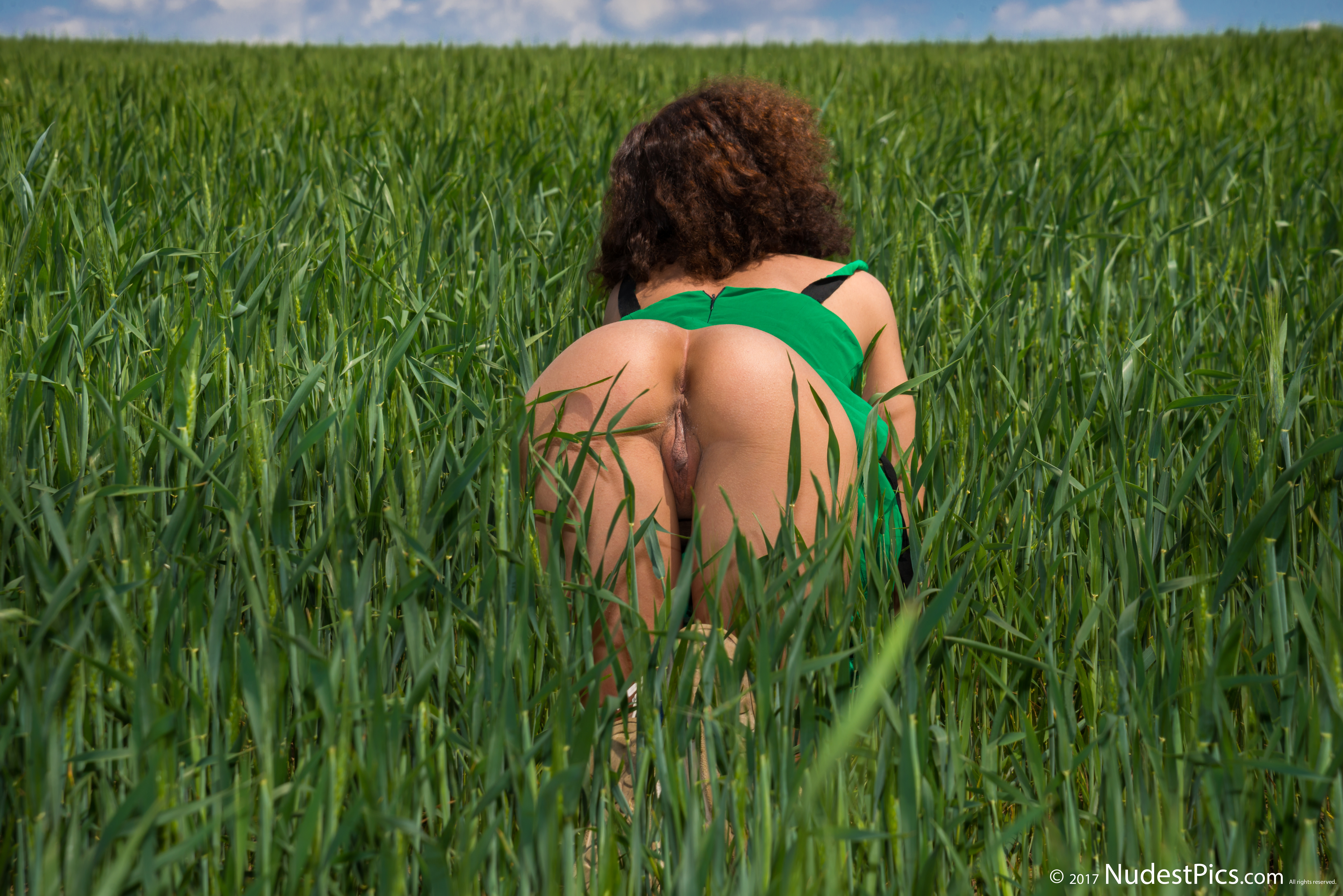 Farmer Girl Naked Butt Crawling in Green Crops HD