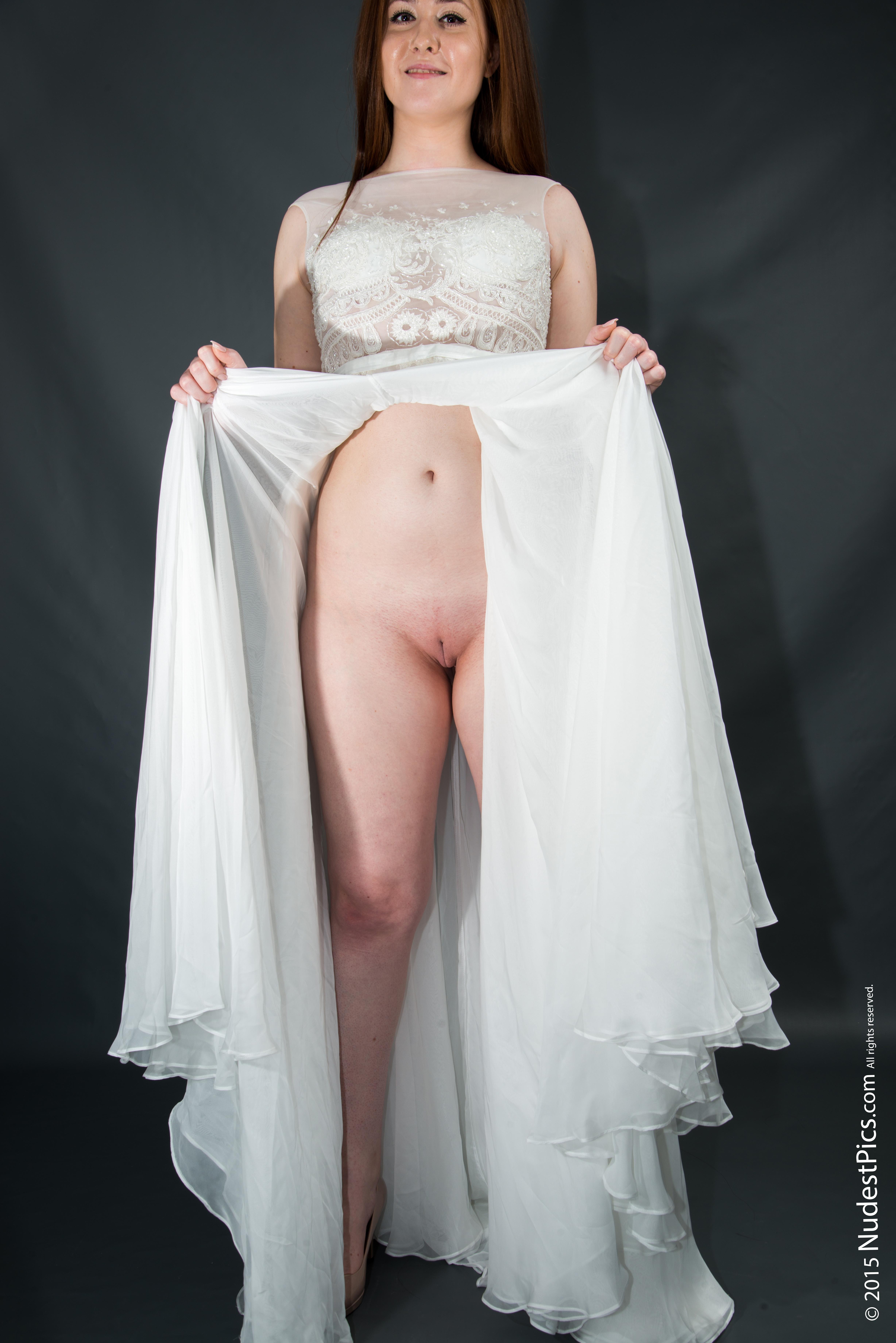 Bride Gal Flashing Pussy