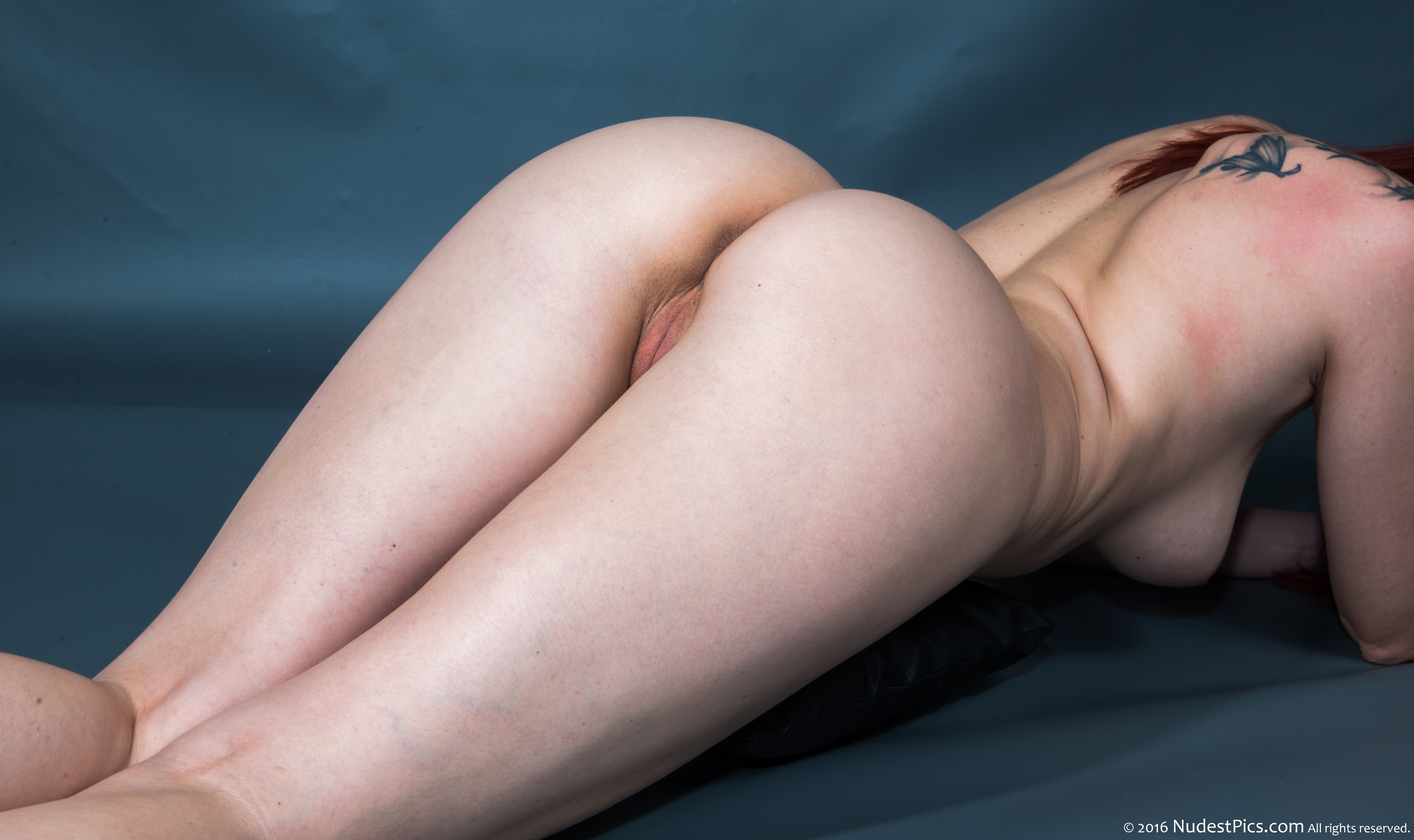 Round White Bare Bum Up on all fours HD
