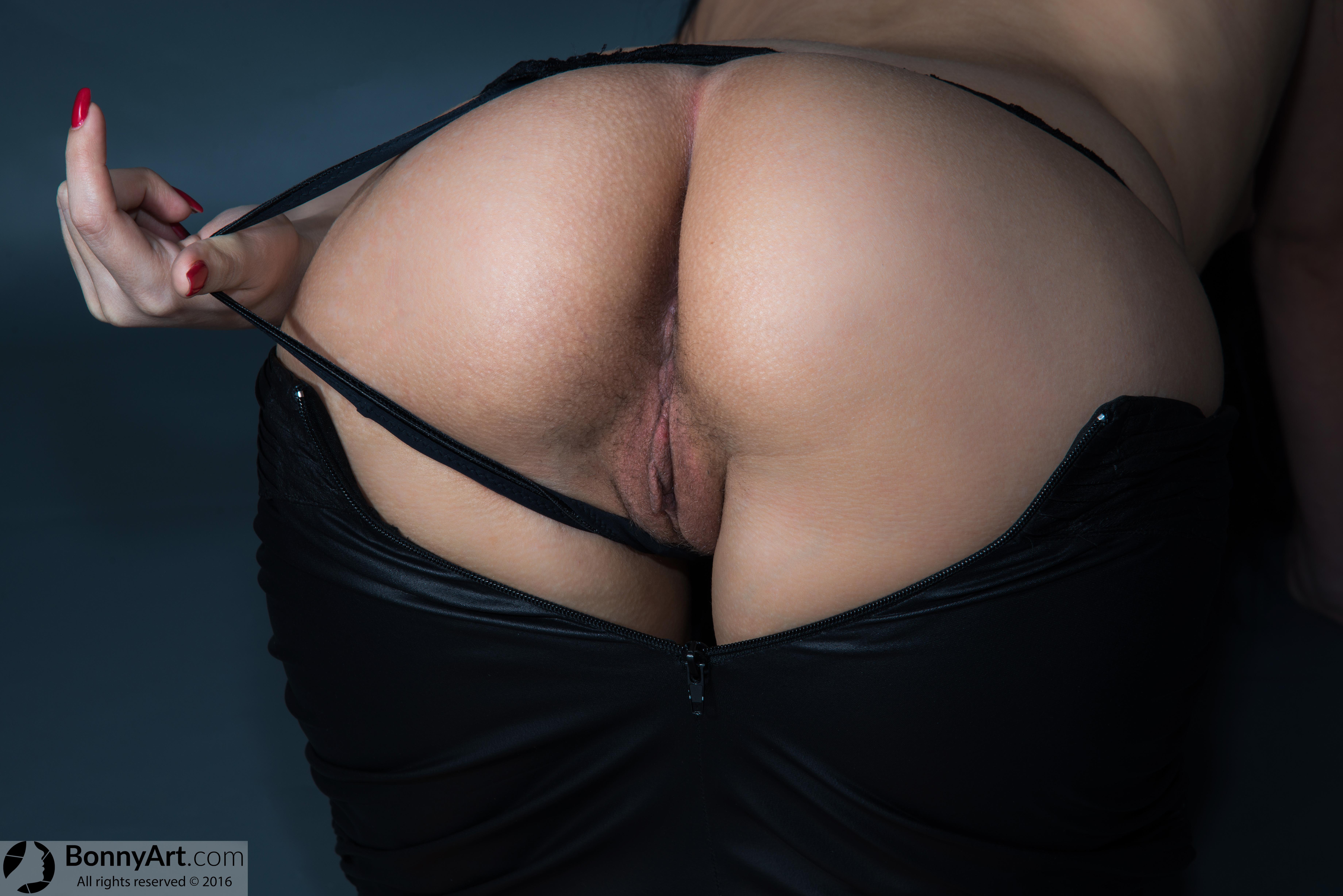 Pulling Thong Off White American Vulva Unzipped