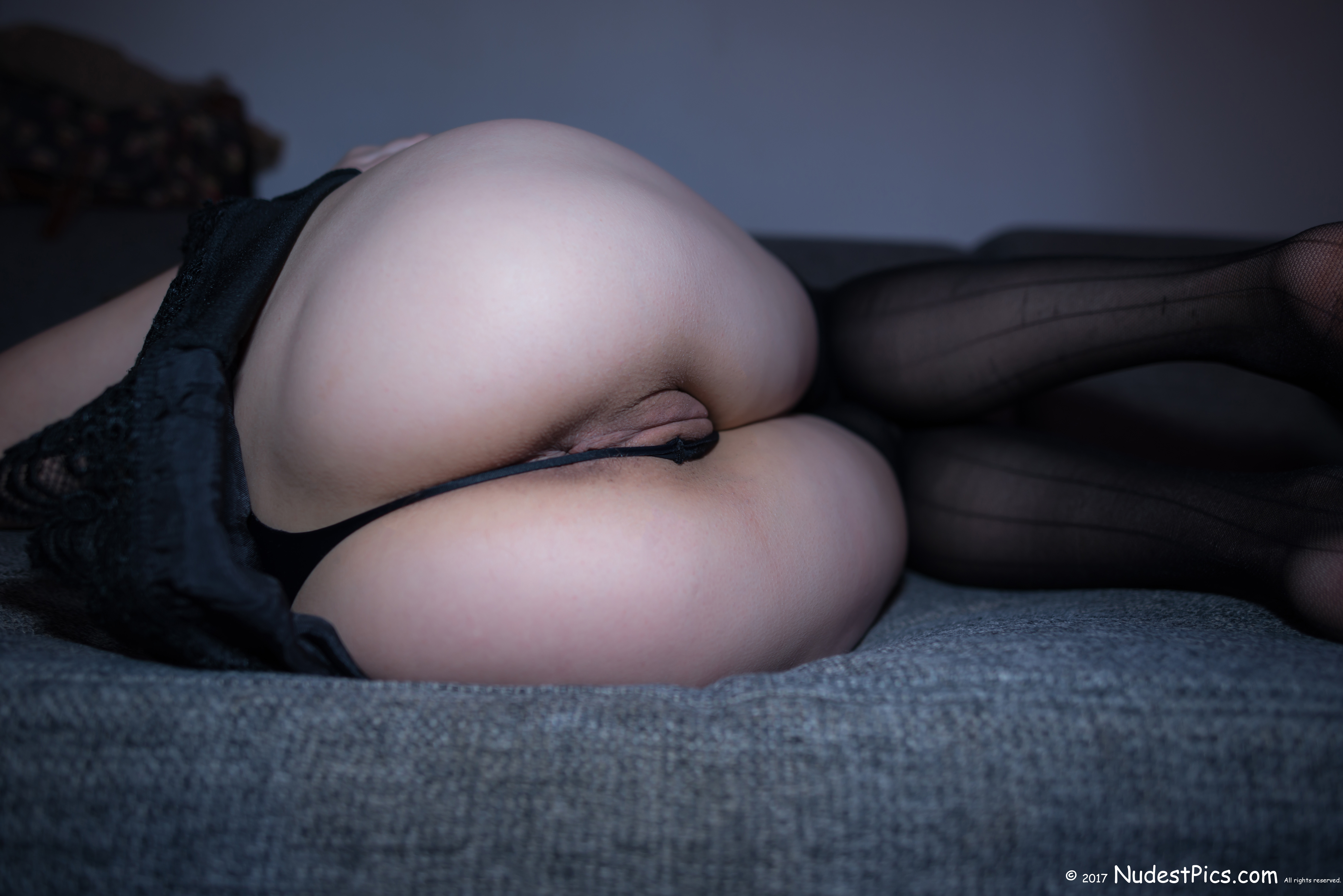 Her White Bottom Getting out of Darkness HD