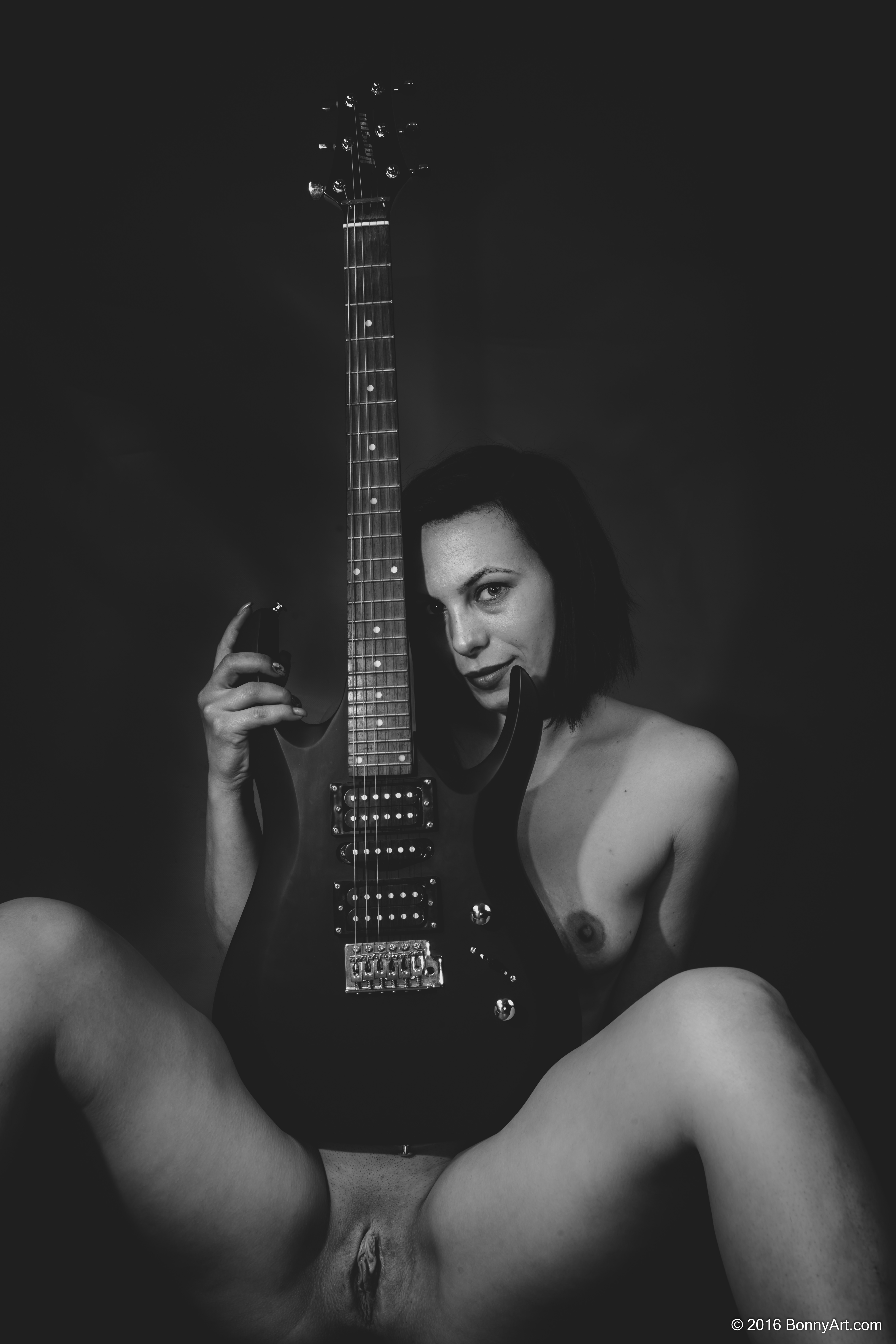The Naked Guitarist Woman B&W HD