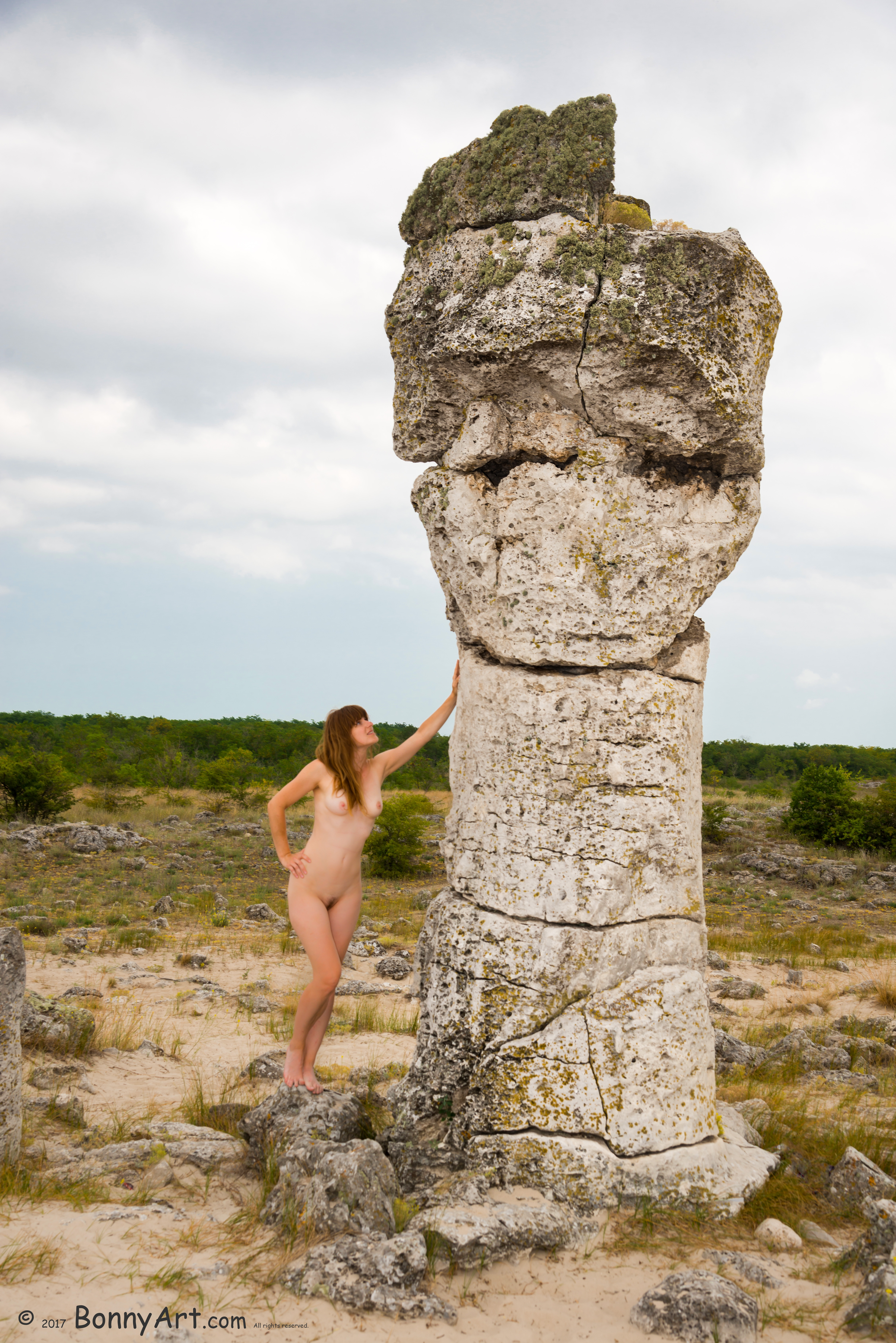 Naked Girl Talking with Stone Groot
