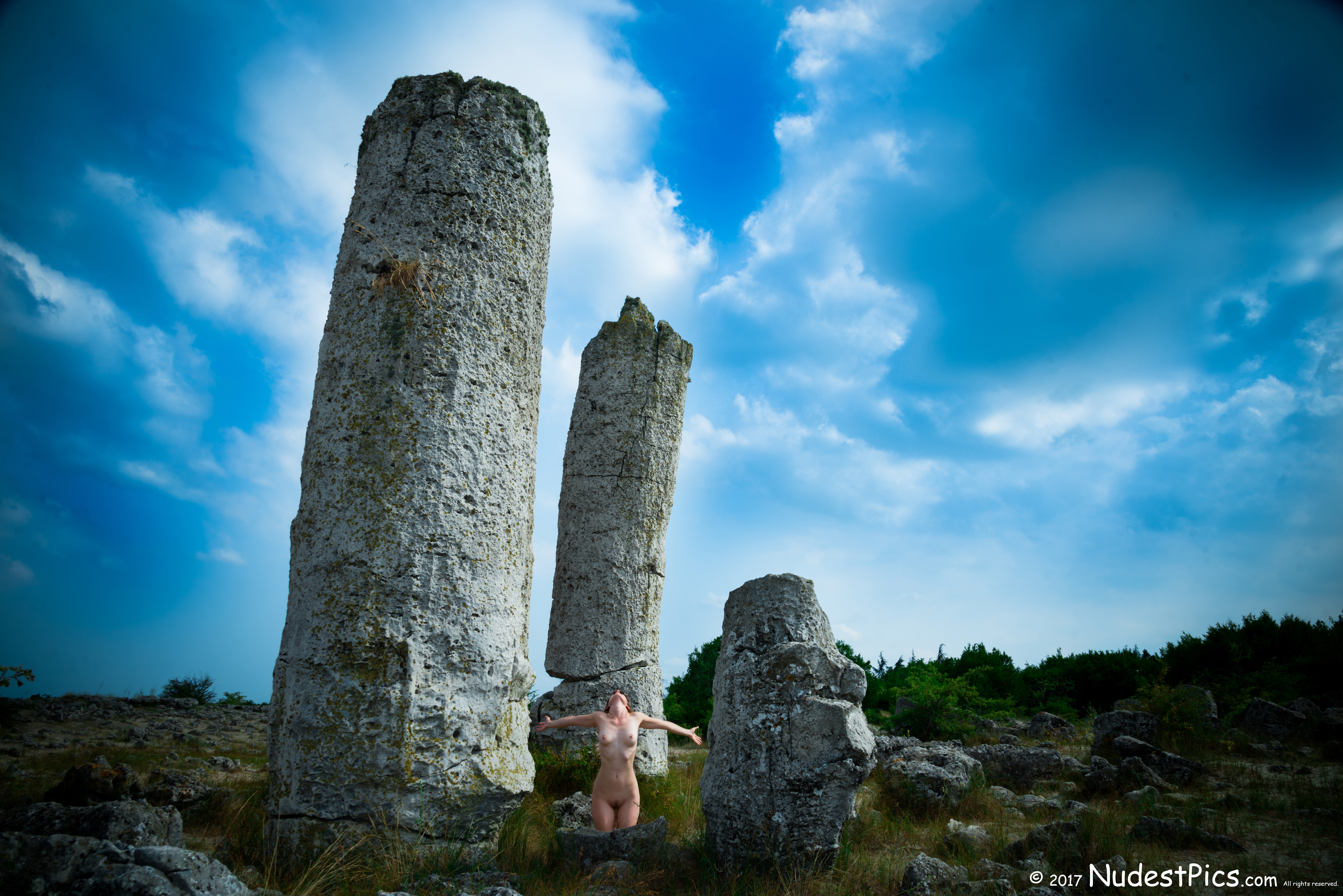 Nude Girl at the Stone Portal HD