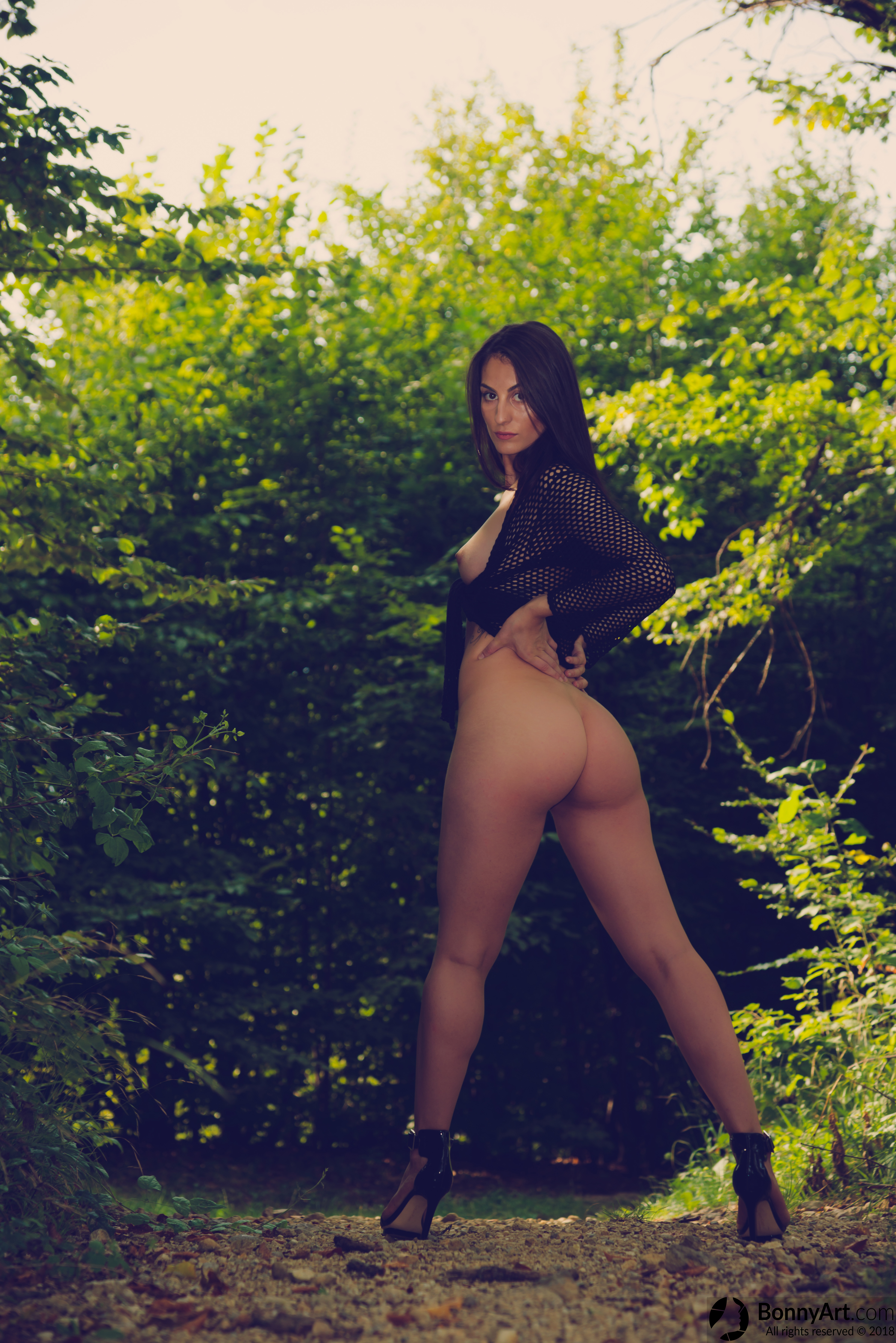 Hot Round Booty Girl Undressed in the Forest